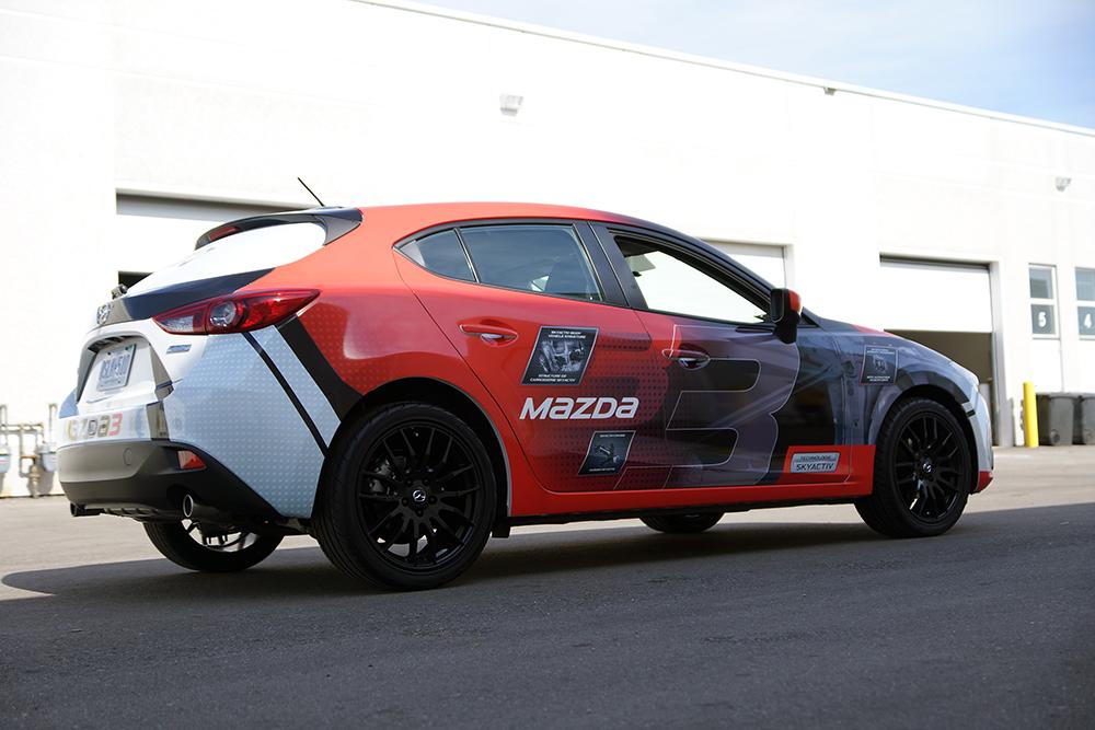 Креативная оклейка автомобилей марки Mazda