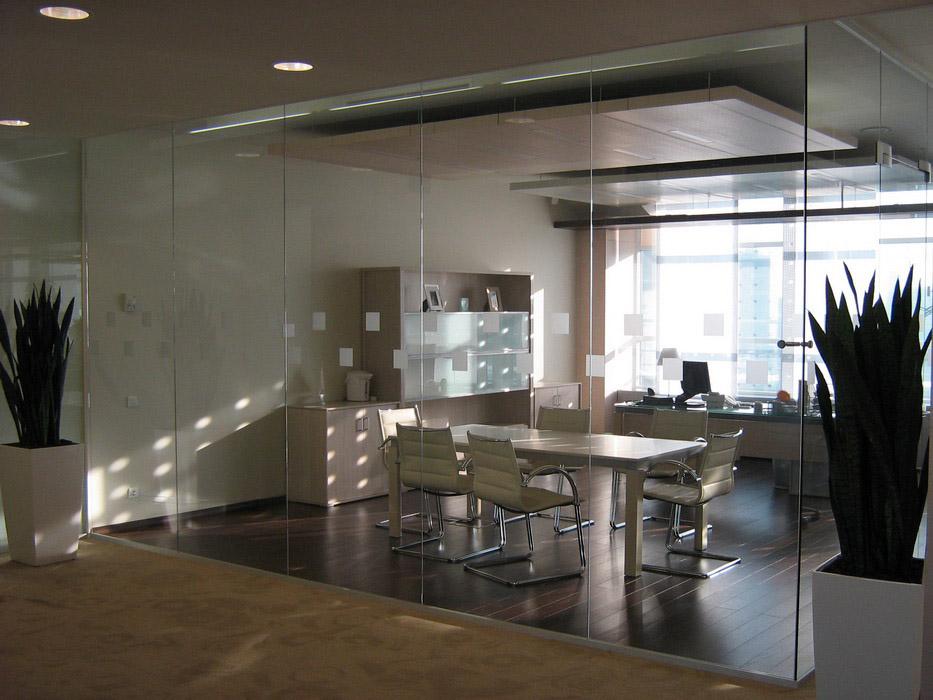 Решения для стеклянных перегородок от компании 3M