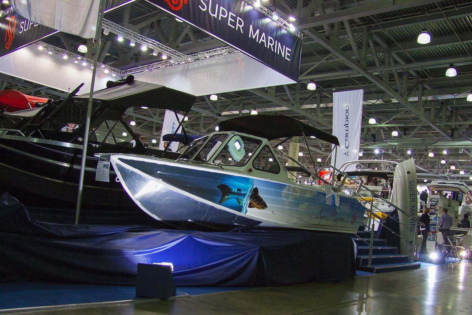 Оклейка моторной лодки компании «Super Marine»